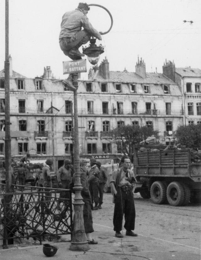 Prise de vue de Besançon, Pont de Battant, pendant la Seconde Guerre Mondiale